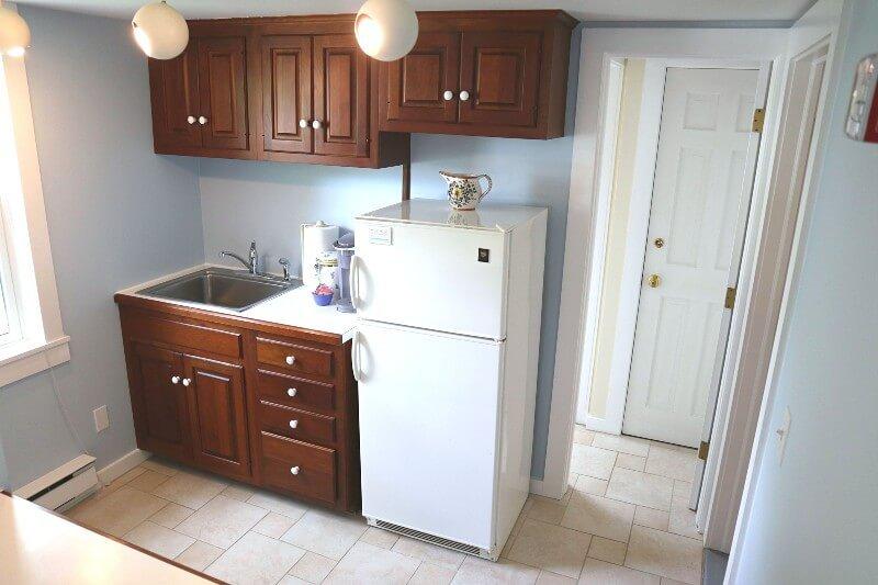 West Suite Kitchen Gallery