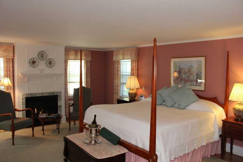 The Whalewalk Inn  U0026 Spa  Main Room 2